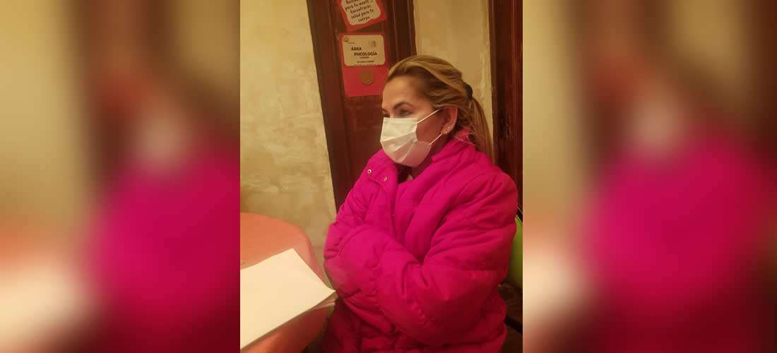 Jeanine Áñez permanece en Miraflores