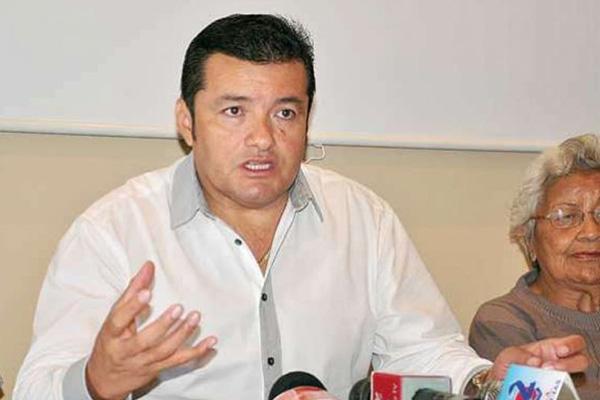 Jhonny Fernández - Alcalde electo de Santa Cruz