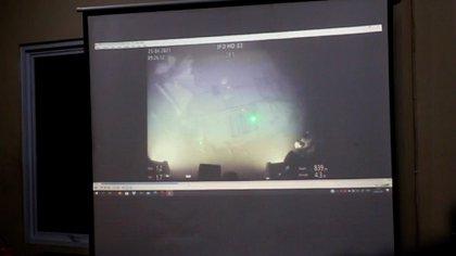 Un video revelado por las autoridades indonesias muestran cómo quedó el submarino KRI-Nanggala 402 al momento de ser encontrado (AFP)