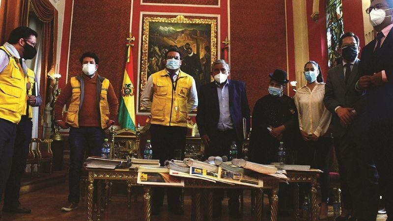 Alcaldes electos de capitales del eje heredan deudas millonarias