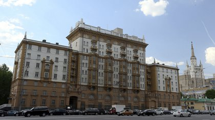 Vista general de la embajada estadounidense de Moscú, Rusia. EFE/Sergei Ilnitsky/Archivo