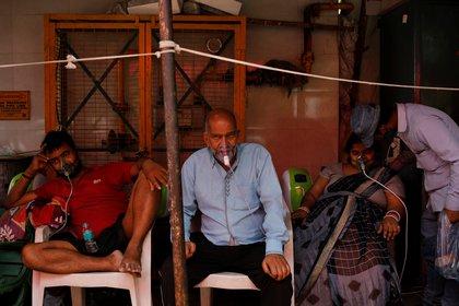 La india atraviesa el peor momento desde el comienzo de la pandemia. REUTERS/Adnan Abidi
