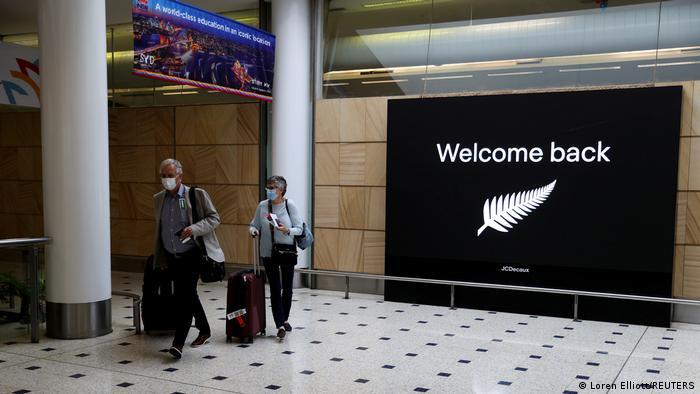 Australien | Ankunft Passagiere aus Neuseeland am Flughafen Sydney