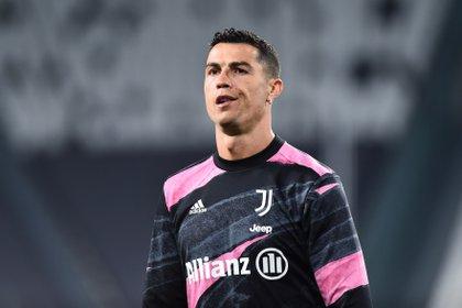 Cristiano Ronaldo quiere ganar la Champions League con con la Juventus pero por el momento no se está clasificando (Reuters)