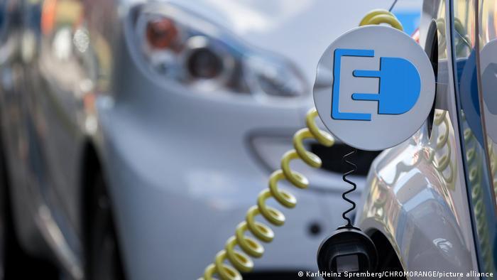 Los expertos estiman que para el 2035 los vehículos eléctricos podrían llegar a ocupar el 100% de las ventas.