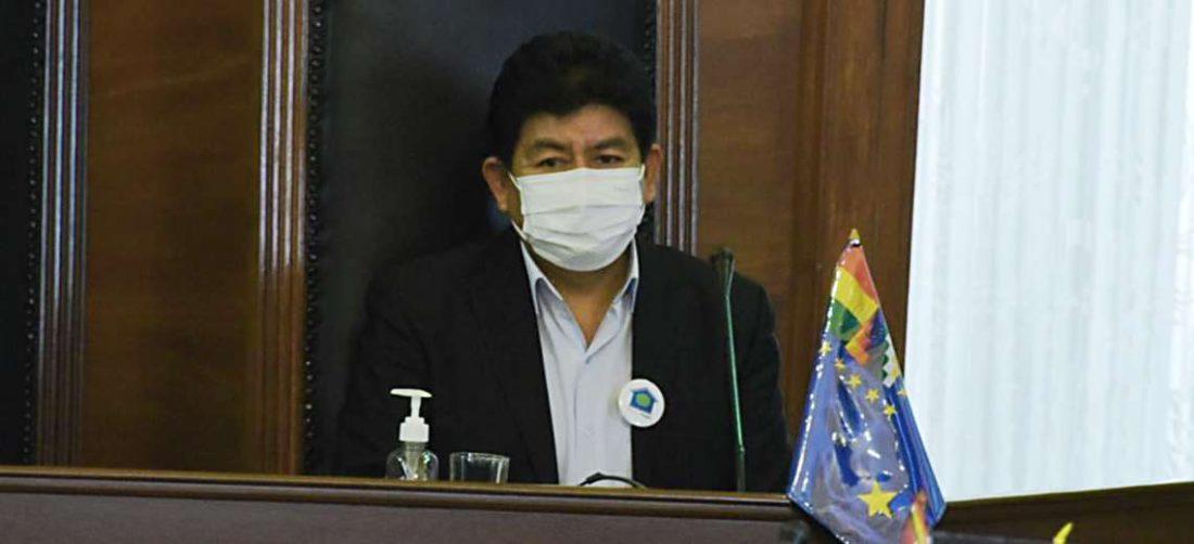 Montaño respondió al Senado varias preguntas por el aeropuerto de Chimoré