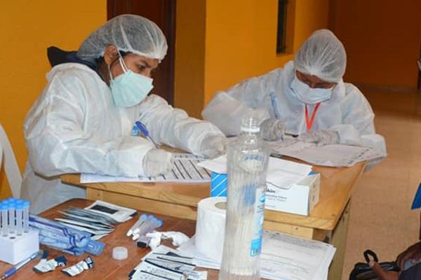 Médicos en Cochabamba /Imagen de referencia/ Foto: GOBERNACIÓN DE COCHABAMBA