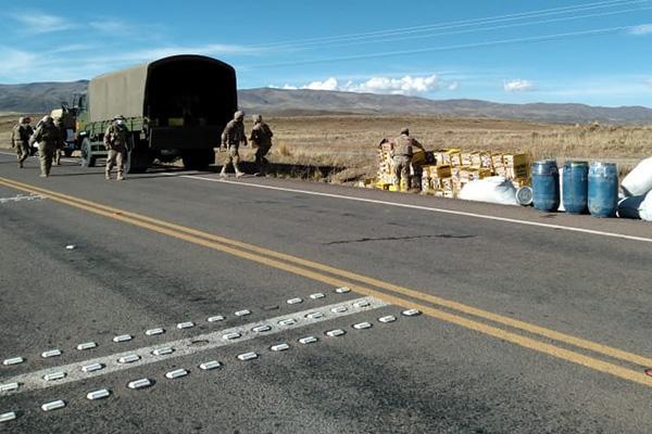 Camión con mercadería de contrabando en Oruro Foto: ABI
