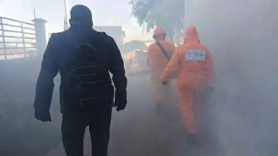 Una imagen de la desinfección de EMSA en el centro de salud K'ara K'ara. Captura de video GAMC