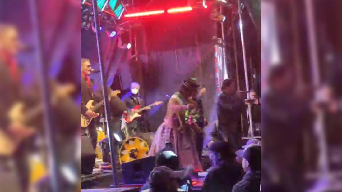 Captura del concierto de Modern Talking en Oruro.