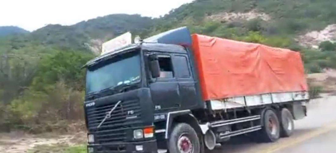Los camiones contenían mercadería de contrabando. Foto: Josué Chubé