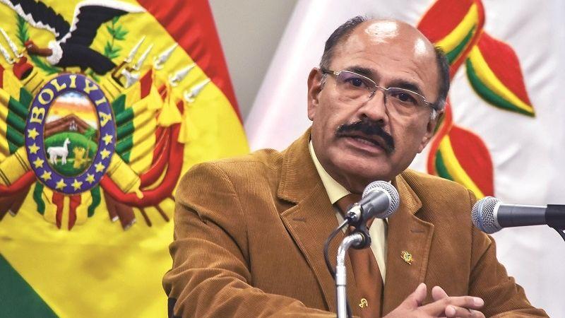 Secretario Cruz asegura que un decreto autoriza sólo al Gobierno comprar vacunas