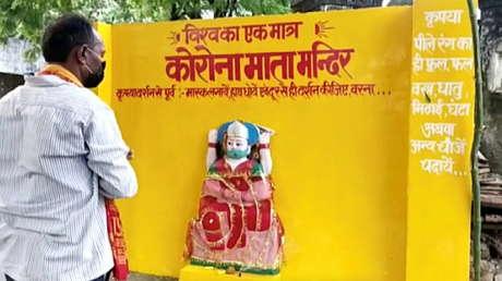 Derriban en la India un templo dedicado a una diosa inspirada en el coronavirus (VIDEO)