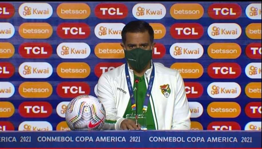El director técnico de Bolivia, César Farías