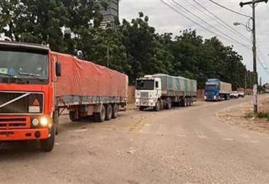 En días pasados la Aduana capturó nueve camiones con 270 toneladas de soya de contrabando