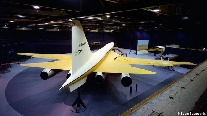 Modelo de avión supersónico de Boeing