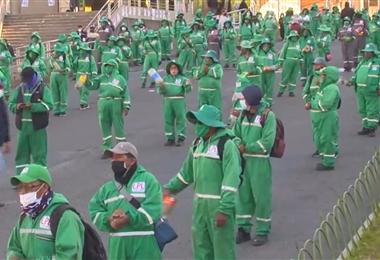 Trabajadores del sector se movilizaron este lunes (Imágenes: Unitel)