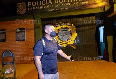 El hombre llegó hasta la FELCC para intentar declarar por el hecho (Foto: Leonardo Gil)
