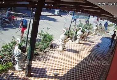 Cámaras captaron el momento del ataque (Foto: captura video)