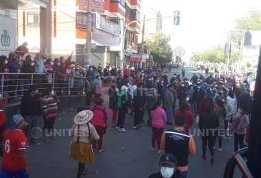 En la zona de Villa Pagador el comercio era normal pese a las restricciones (Foto:Unitel)