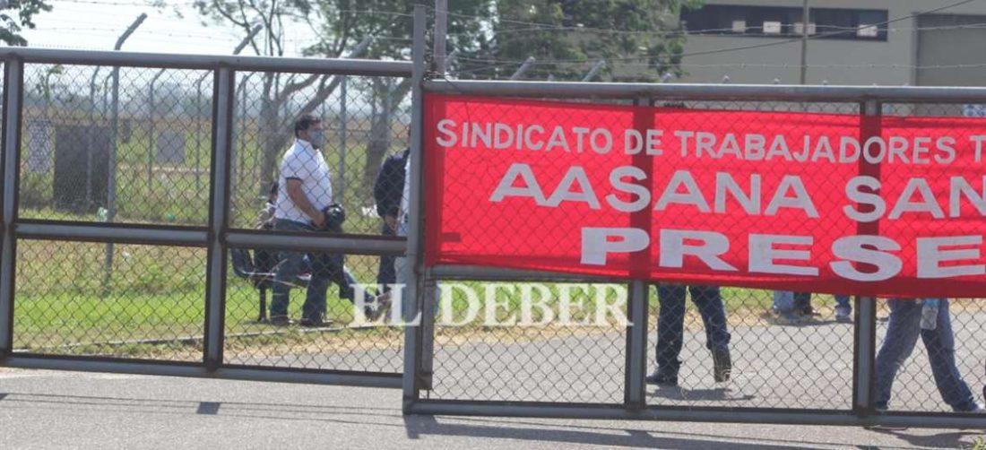 Desde temprano los trabajadores de Aasana realizan vigilia/Juan Carlos Torrejón