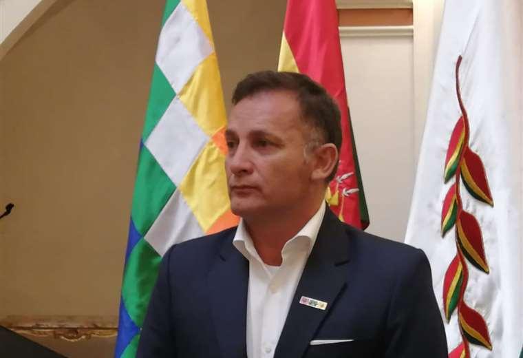 Fernando López ahora también es Ministro de Salud interino