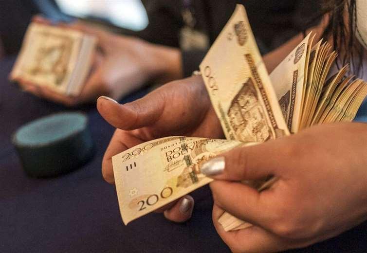 Según el Gobierno el FMI había pedido al devaluación de la moneda/Foto. EL DEBER