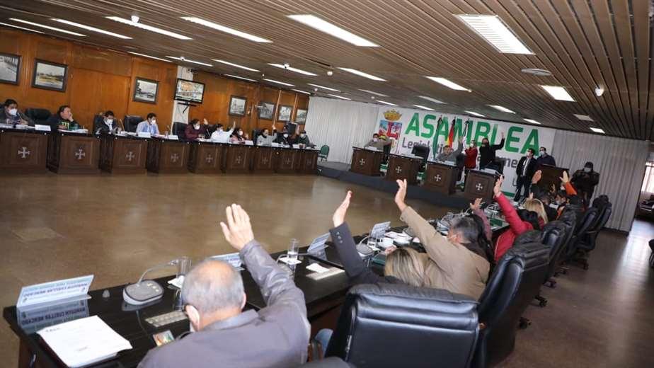 La creación de la Comisión tuvo el apoyo de más del dos tercio de los asambleístas.