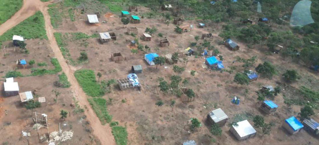 Foto archivo El Deber: asentamientos en el aeropuerto de San Ignacio.