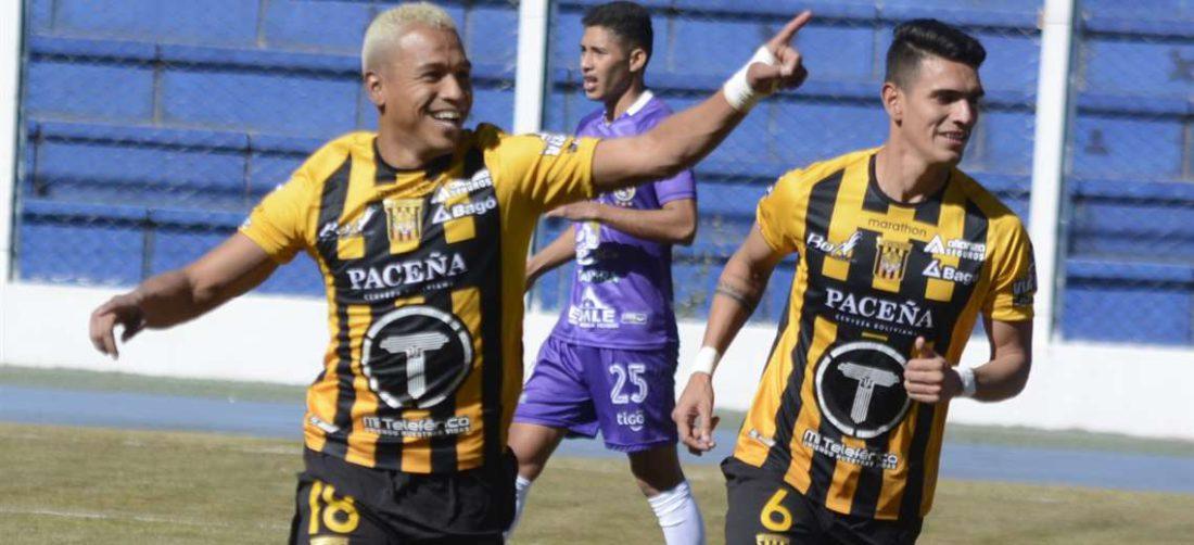 Reinoso (izq.) celebra el primer gol que fue de su autoría. Foto: Prensa The Strongest