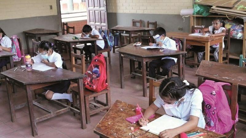 Gobierno: Municipios sin riesgo retornarán a clases presenciales