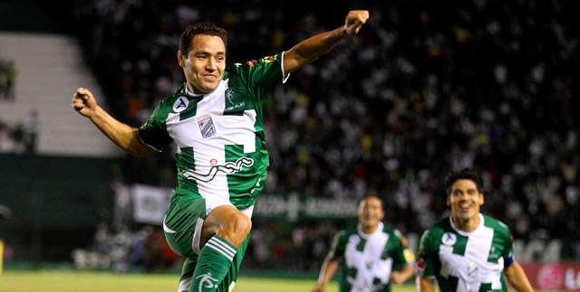 El festejo de Mojica de uno de sus goles en Oriente. Foto: internet