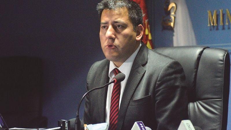Zavaleta siguió la renuncia de Evo con el Alto Mando Militar «insubordinado»