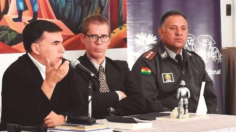 En Bolivia, Cuba pasó de apoyar en la salud a la formación de militares