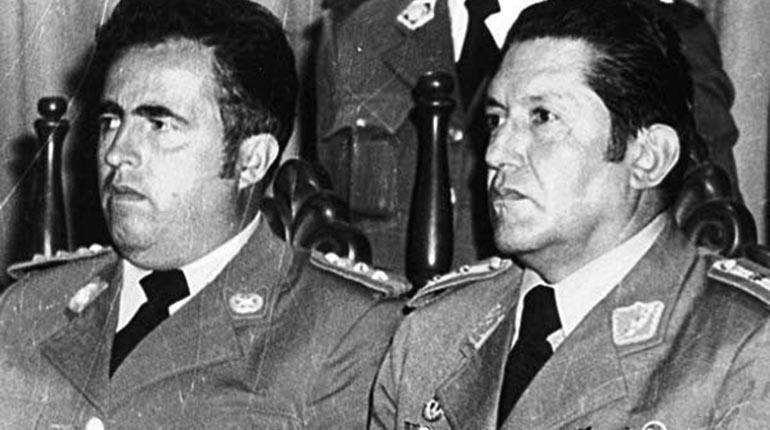 Luis García Meza (derecha) y su ministro de Gobierno, Luis Arce Gómez