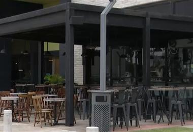 Varios restaurantes se encontraban vacios y hasta cerrados (Foto: Unitel)
