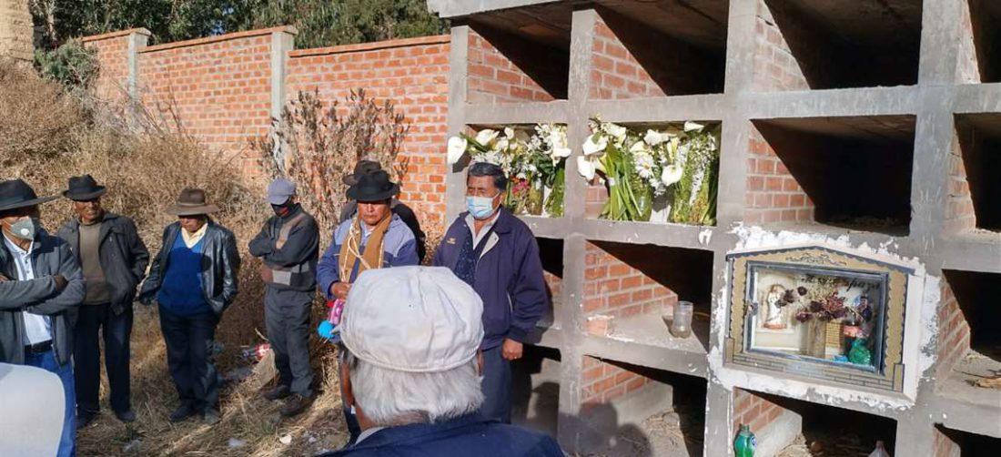 Comunarios enterraron a menores haitianos - Foto: Vladimir Rojas