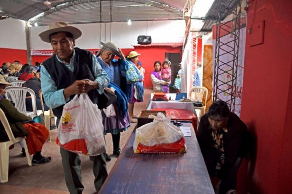 Identifican a más de mil ancianos con registro duplicado para canasta alimentaria en Tarija