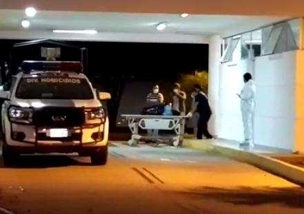 El cuerpo de la niña fue trasladado en una patrulla policial desde Hierva Buena.
