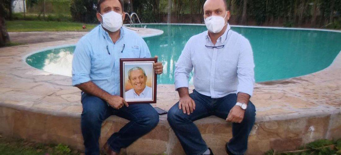 Los hijos de Óscar Urenda lo recuerdan con cariño / Foto. José Elio Alba