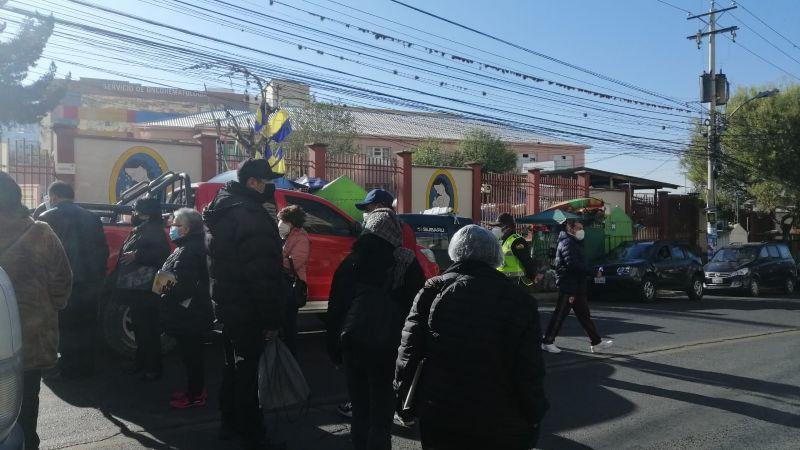 Sputnik-V: bloquean la avenida Saavedra para exigir la aplicación de segundas dosis