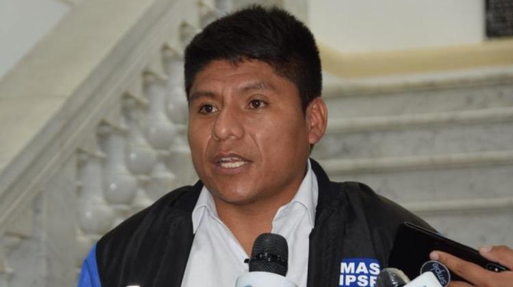 Senador Loza insiste en que Camacho debe responder por muertes en el gobierno de Áñez | ANF - Agencia de Noticias Fides