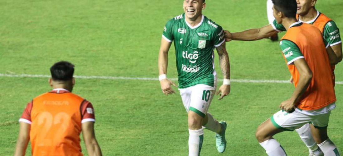 La celebración de Henry Vaca, autor del gol de Oriente. Foto: JC Torrejón