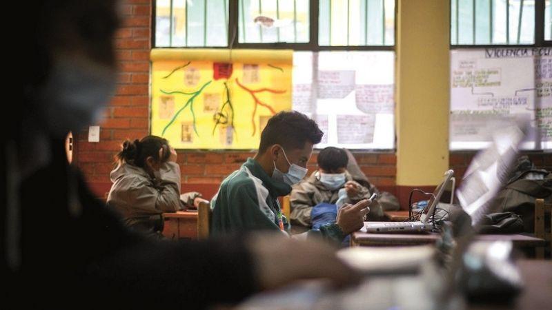 Clases presenciales: la familia del estudiante debe estar vacunada