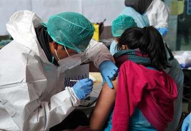 Vacunación contra el Covid-19 en Bolivia - Foto: ABI