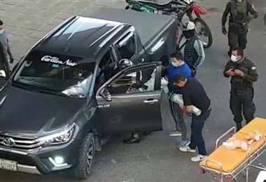 Auto baleado en Cochabamba