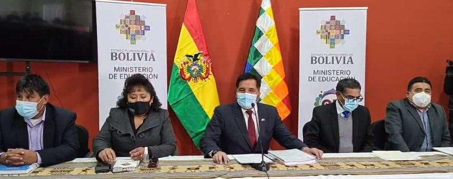 El ministro Quelca convocó a todos sus colaboradores para defenderse de las acusaciones
