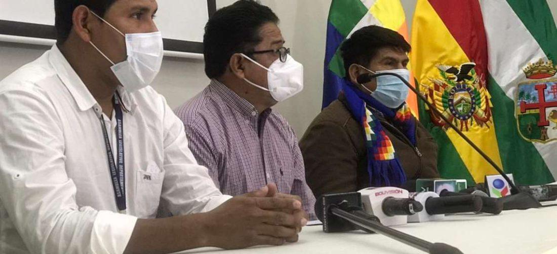 El ministro de Desarrollo Rural y Tierras, Remmy Gonzales dio la conferencia de prensa