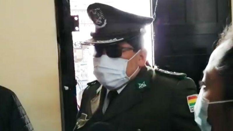 Policía acusado en el caso motín da positivo al Covid-19 y pide reprogramar su juicio