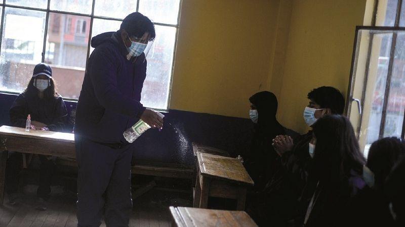 La Paz: padres rechazan retorno a las aulas y denuncian carencias